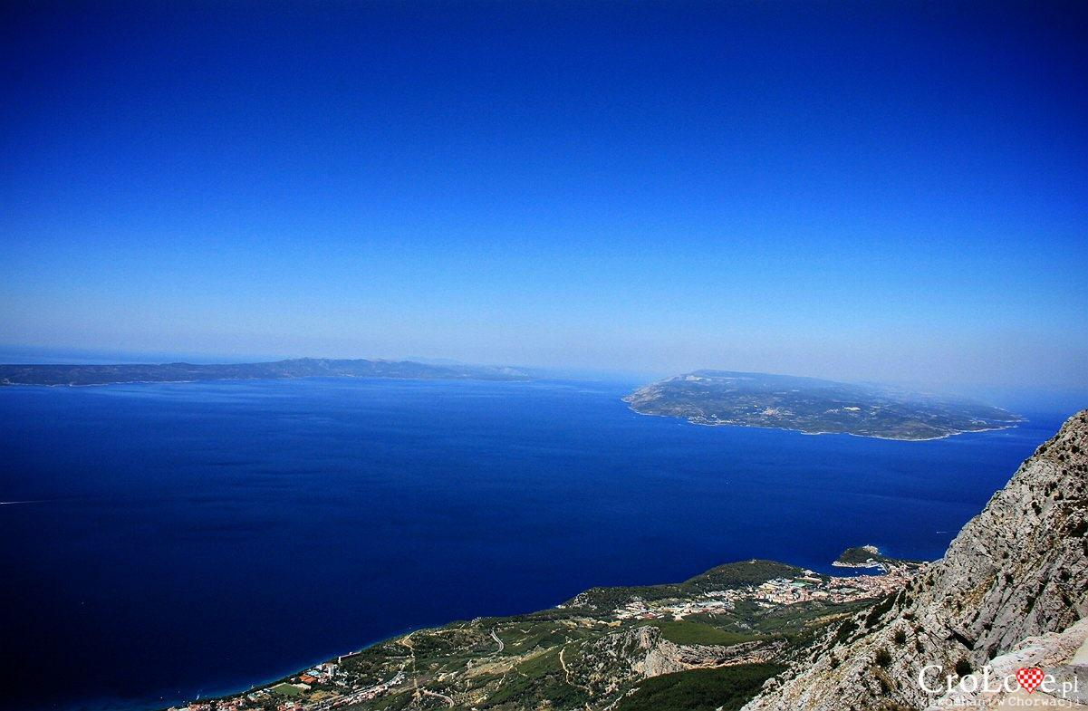 Makarska oraz wyspy Hvar i Brač widziane z punktu widokowego Ravna Vlaška