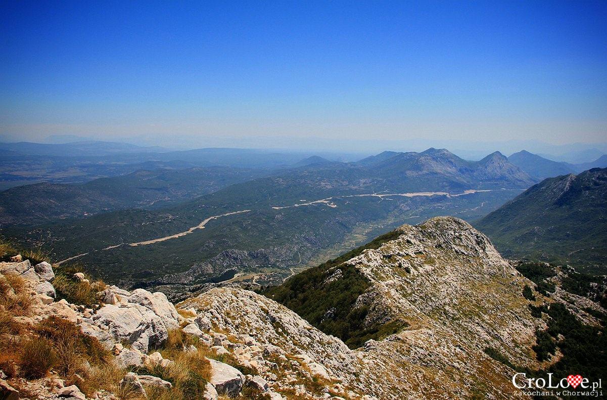 Widok ze szczytu Sv Jure w Parku Przyrodniczym Biokovo
