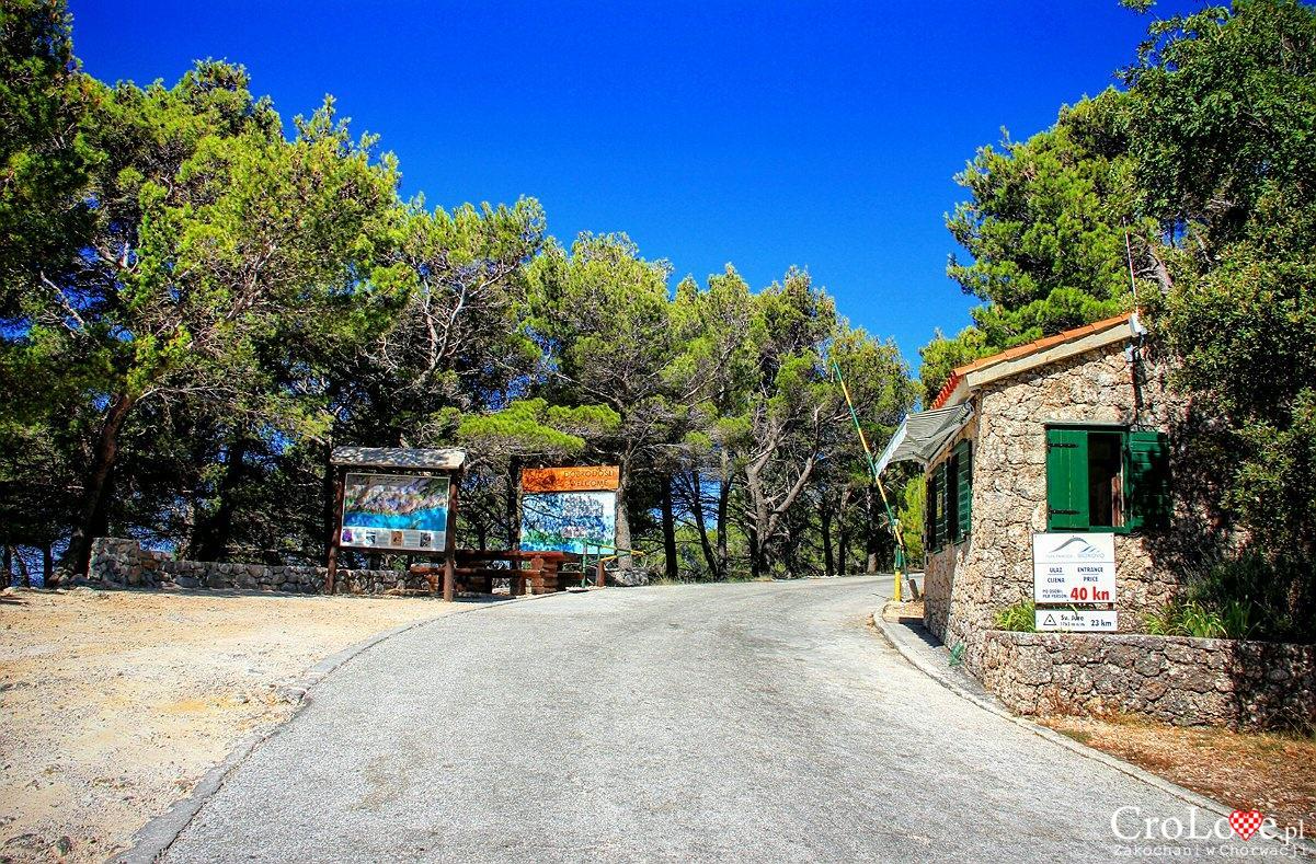 Wjazd na teren Parku Przyrodniczym masywu górskiego Biokovo