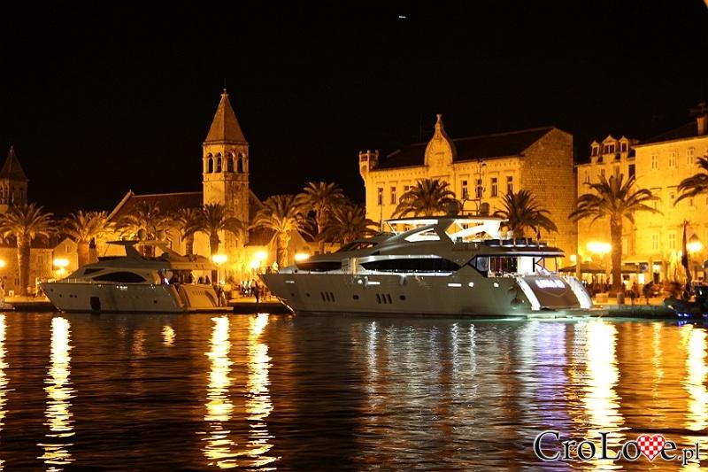 Stare Miasto w Trogirze nocą