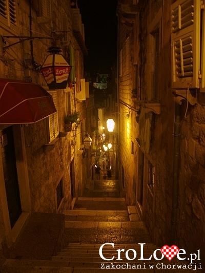 Jedne z wielu magicznych schodów na Starym Mieście