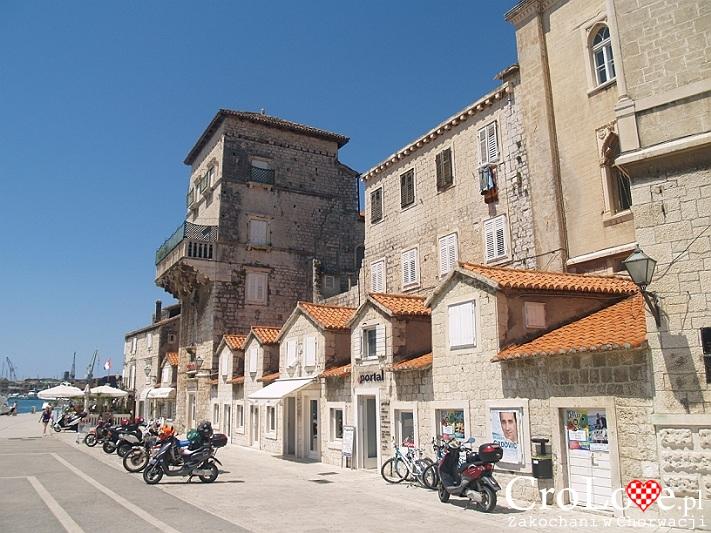 Zewnętrzna część starówki w Trogirze