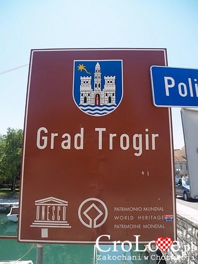 Wejście na starówkę w Trogirze
