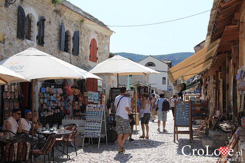 Stragany na starówce w Mostarze
