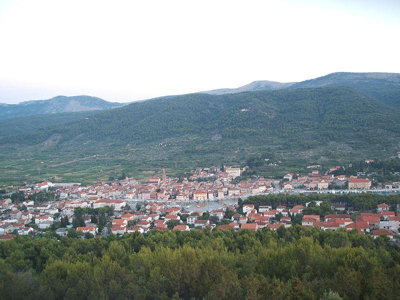 Miasto Stari Grad na wyspie Hvar