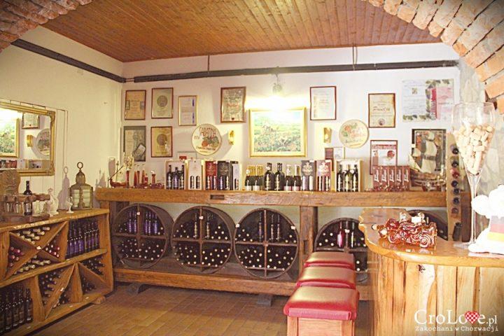 Sklepik w winiarni państwa Matuško w Potomje