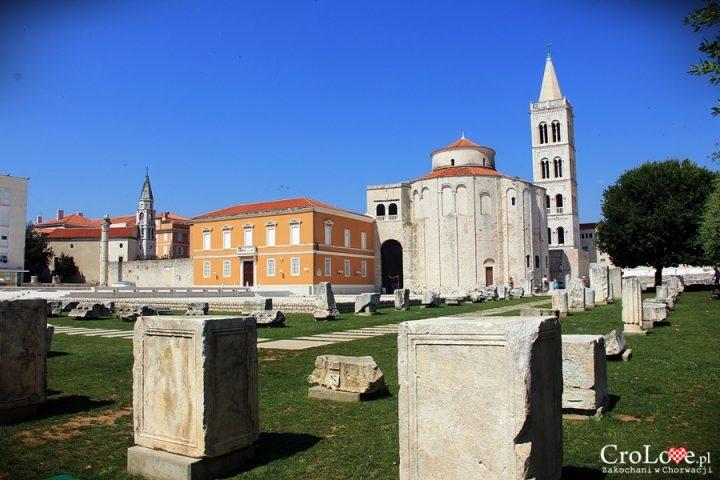 Plac przed kościołem św. Donata