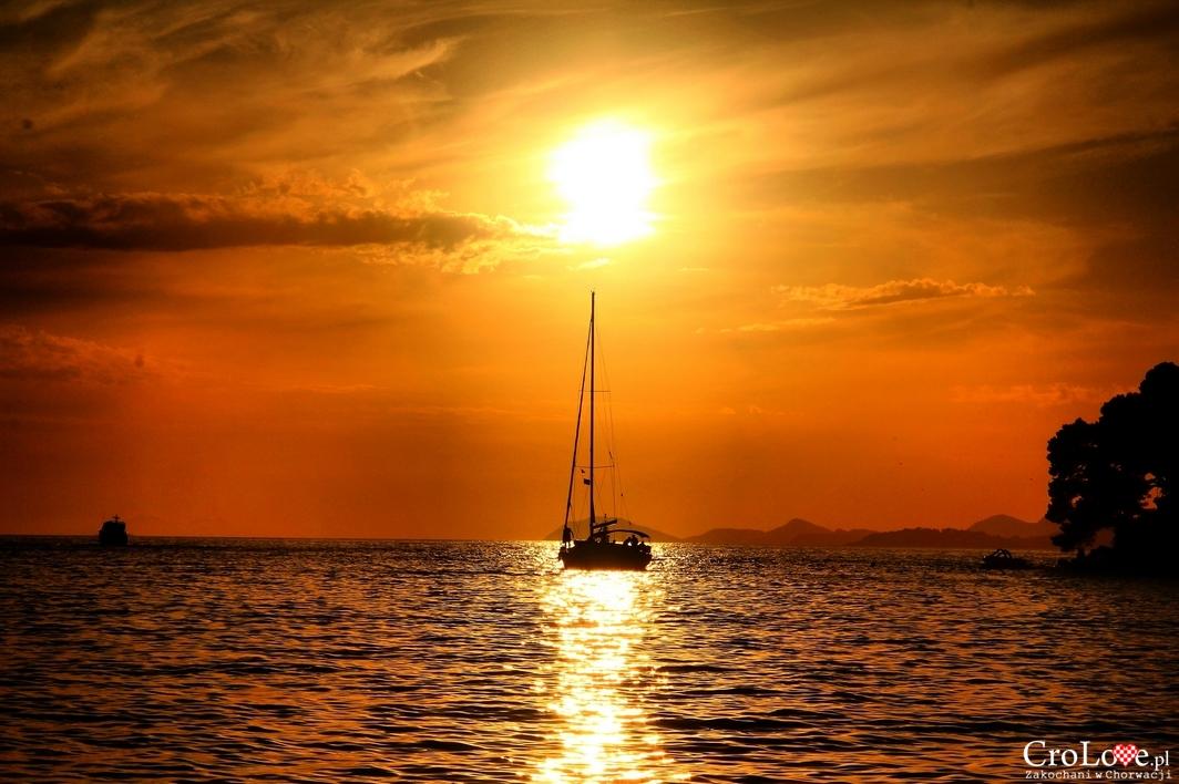 Zachód słońca w Cavtacie