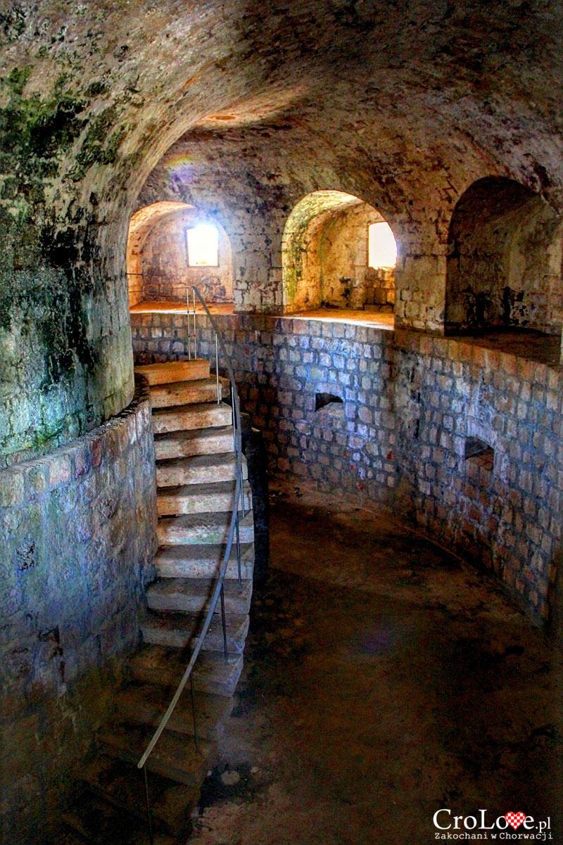 Wnętrze Fortu Royal na wyspie Lokrum
