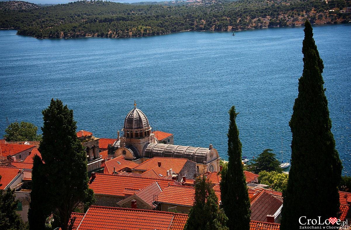 Widok na Klasztor św. Jakuba z twierdzy św. Michała w Šibeniku