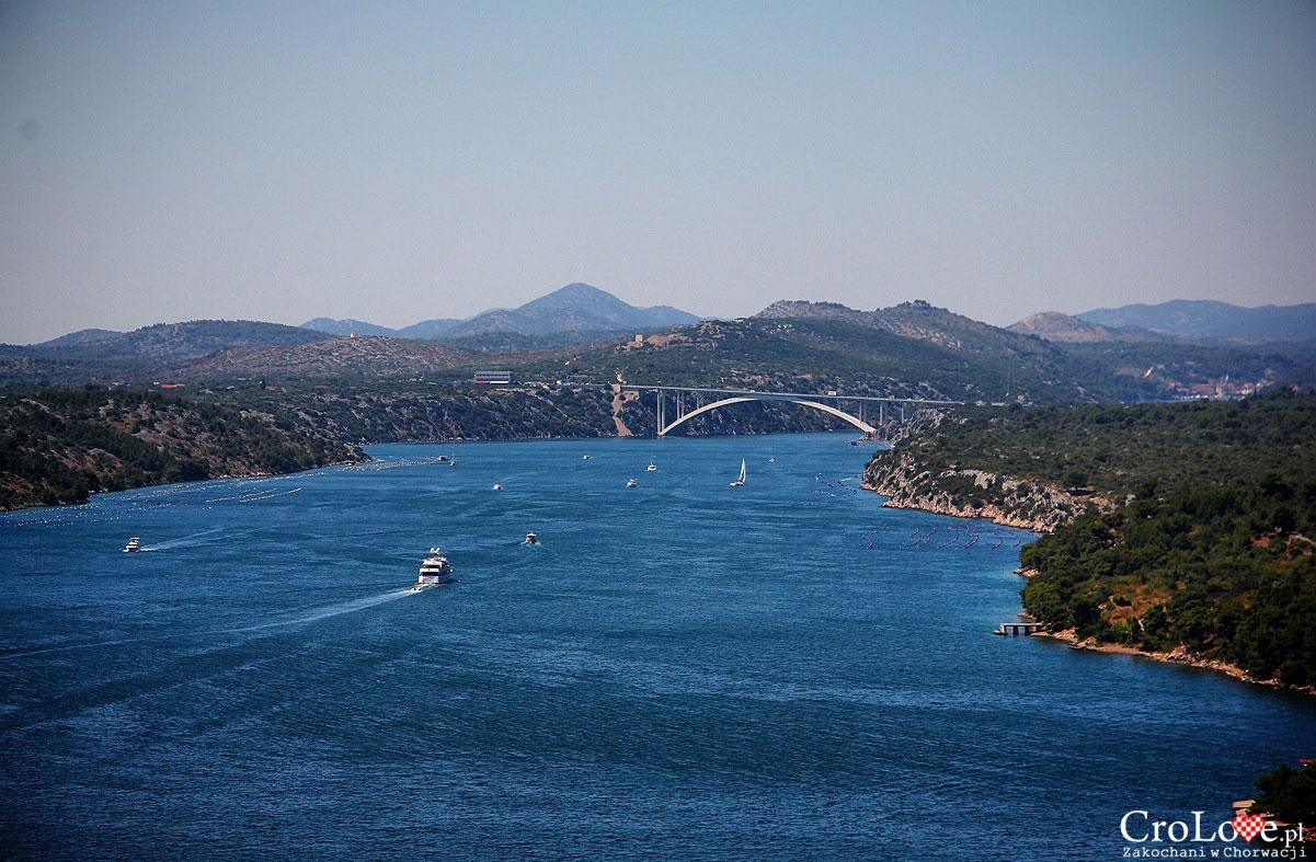 Widok na Šibenicki most z twierdzy św. Michała