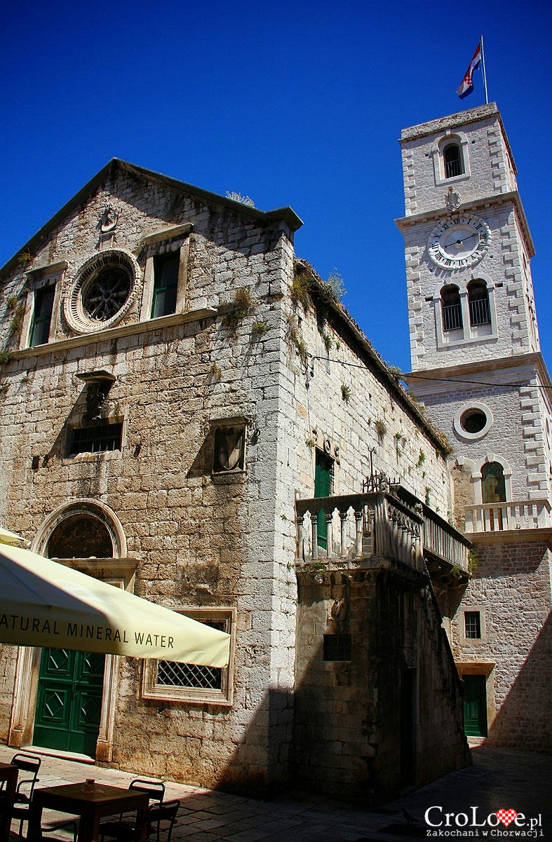 Niewielki kościółek w Šibeniku
