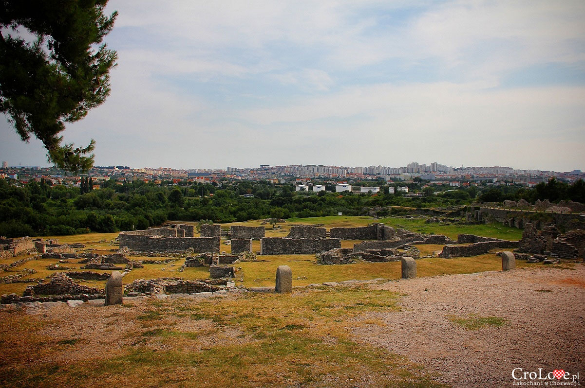 Centrum diecezjalne z Salonie. W oddali widać Split