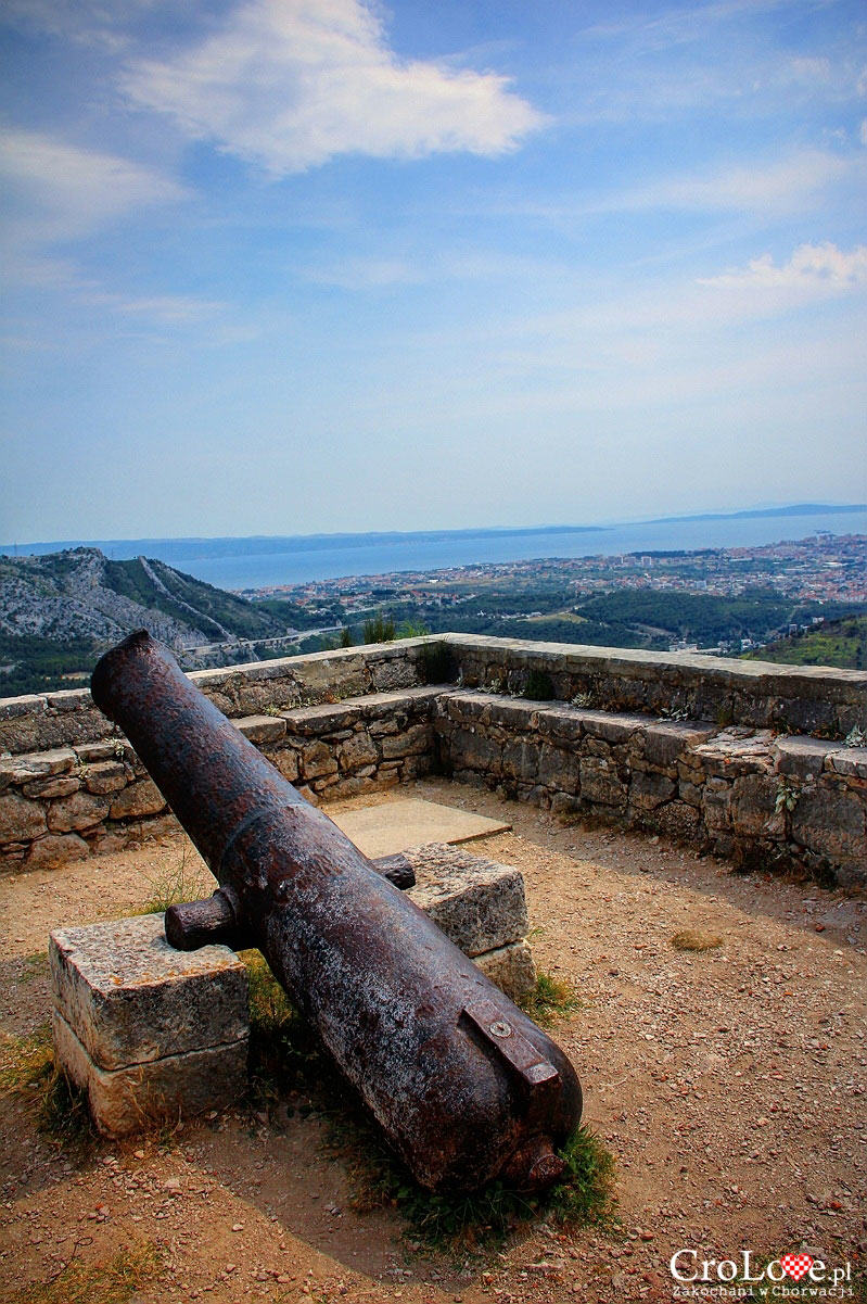 Armata i widok na Split z Twierdzy Klis