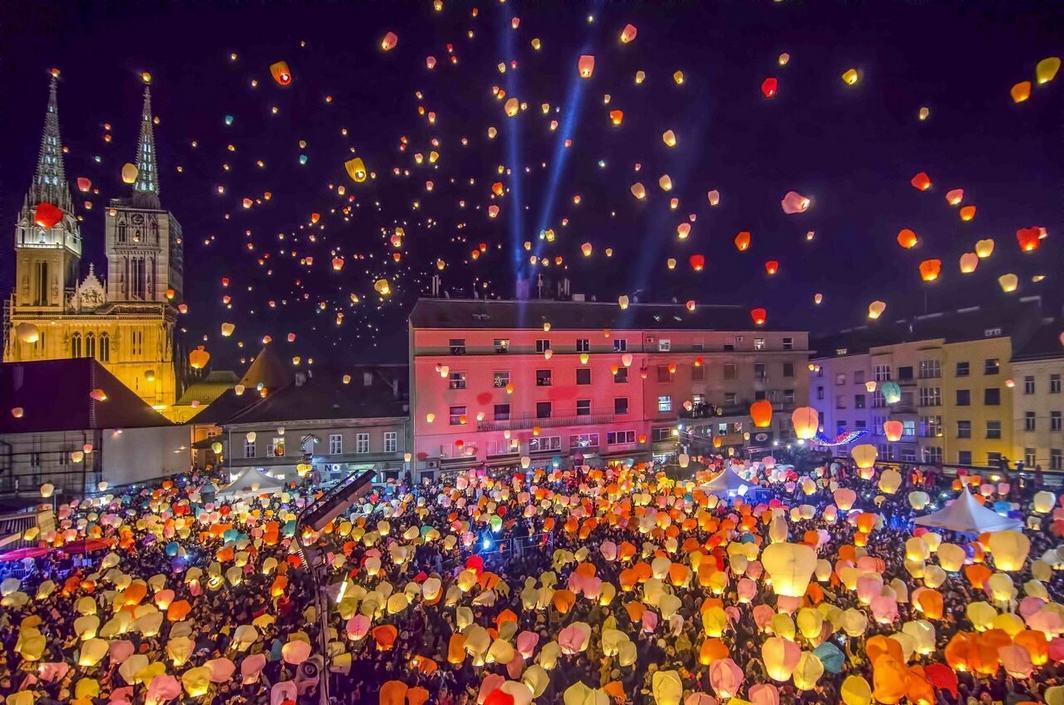 Puszczanie tysięcy lampionów w Zagrzebiu