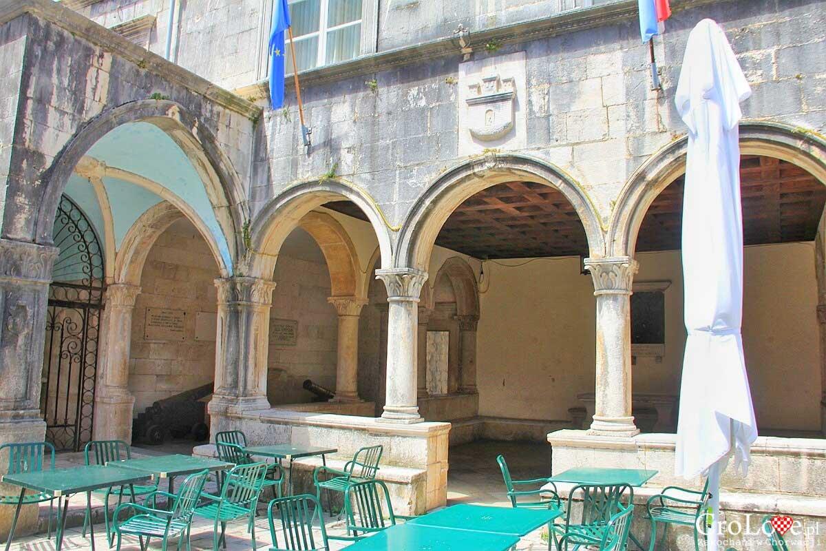 Atrium Pałacu Gubernatora