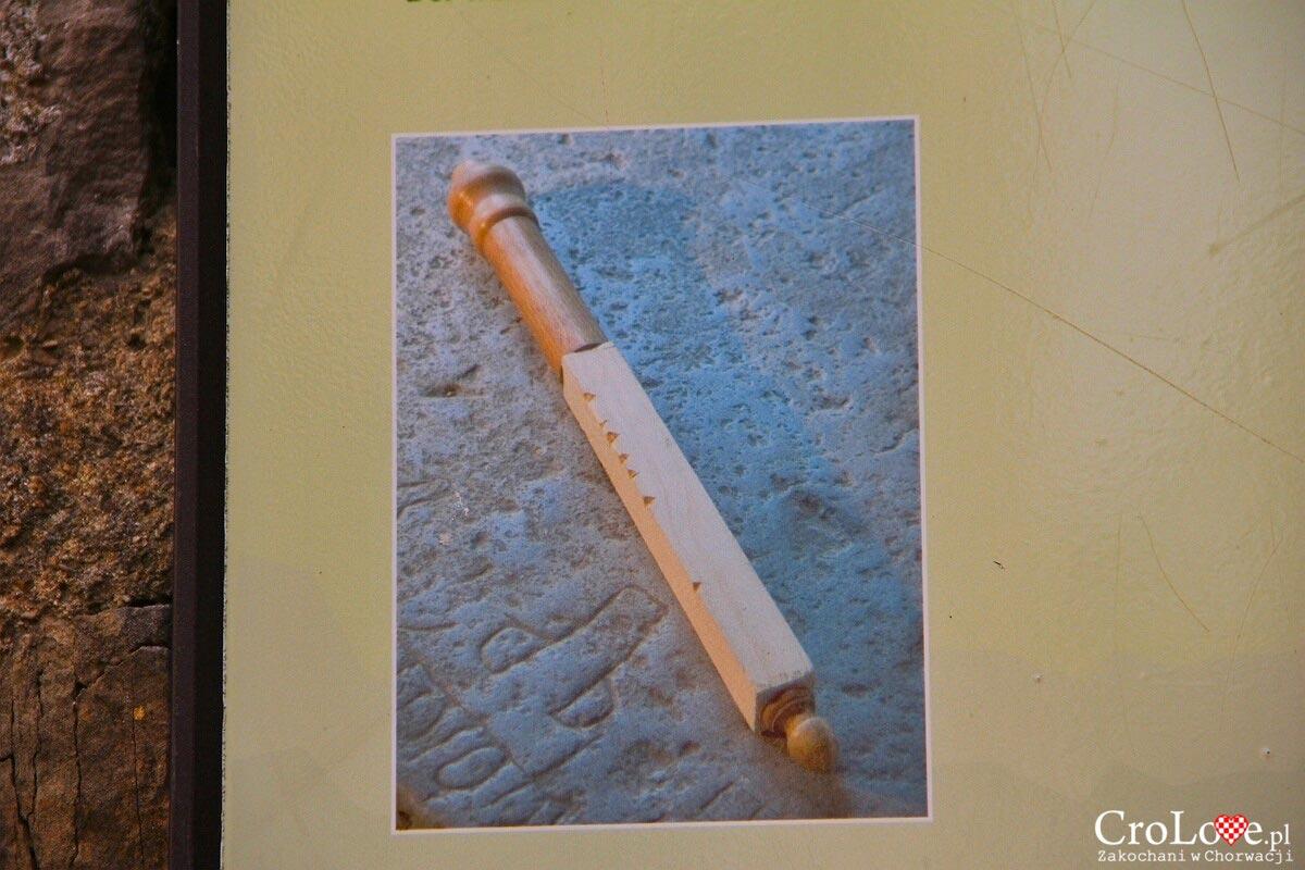 Drewniany kołek wykorzystywany do liczenia głosów