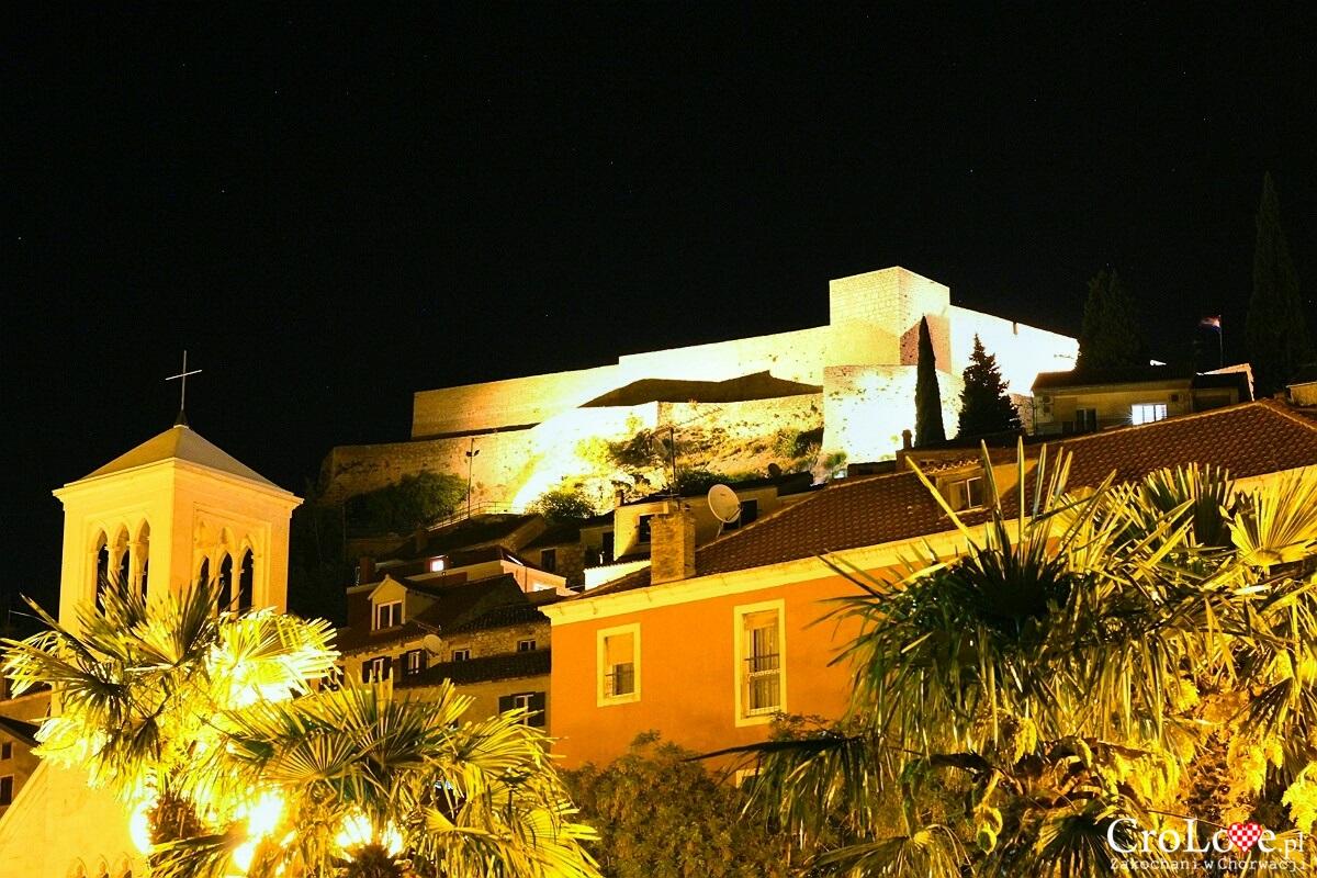 Twierdza św Michała w Šibeniku nocą