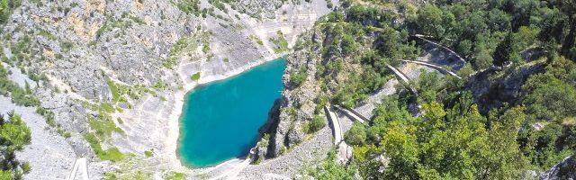 Modro i Crveno Jezero w Imotski