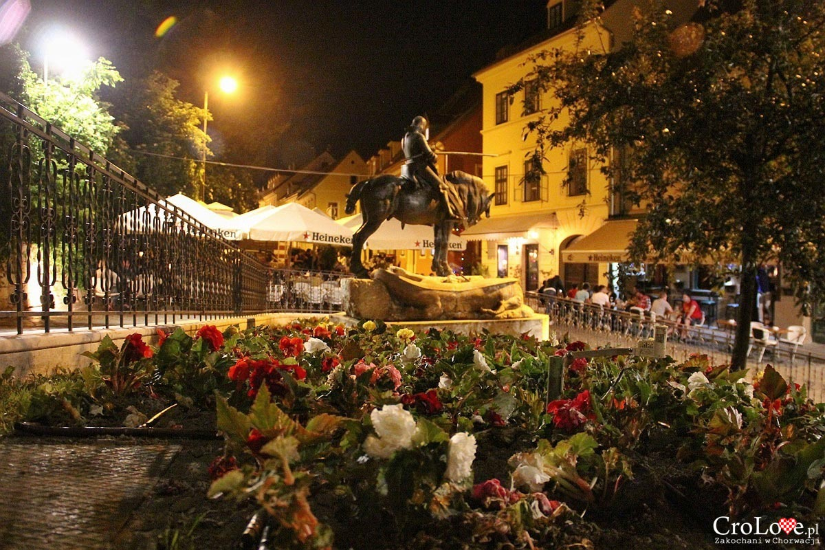 Pomnik Świętego Jerzego pokonującego smoka