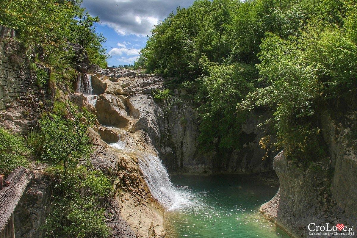 Wodospady w miejscowości Kotli - Szlak siedmiu wodospadów