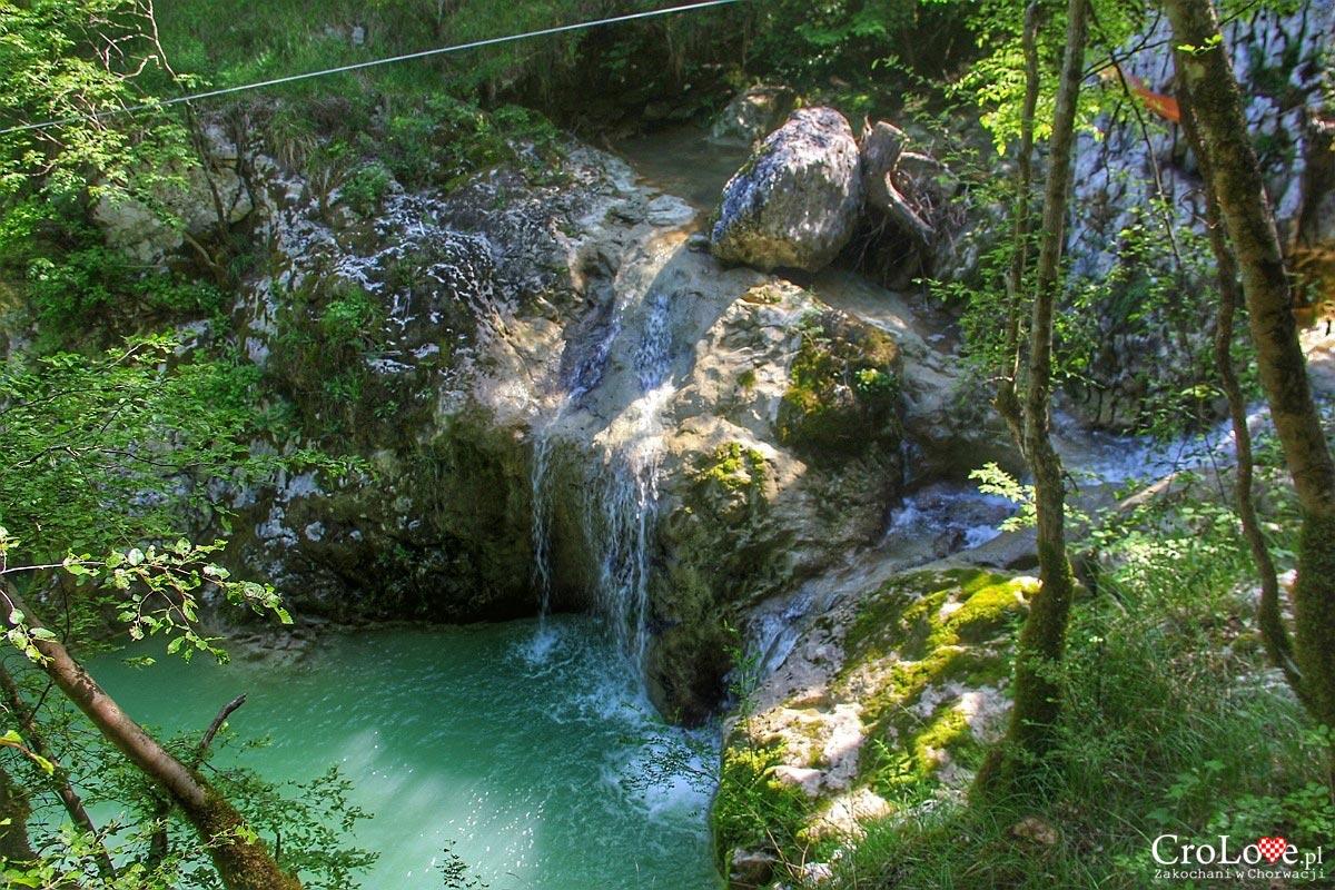 Rzeka Mirna - Szlak siedmiu wodospadów