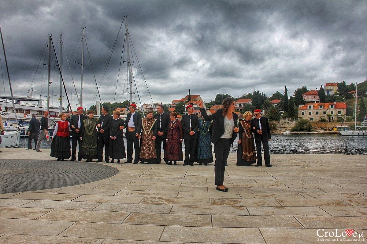 Występ KUD Šolta w Maslenicy na wyspie Šolta