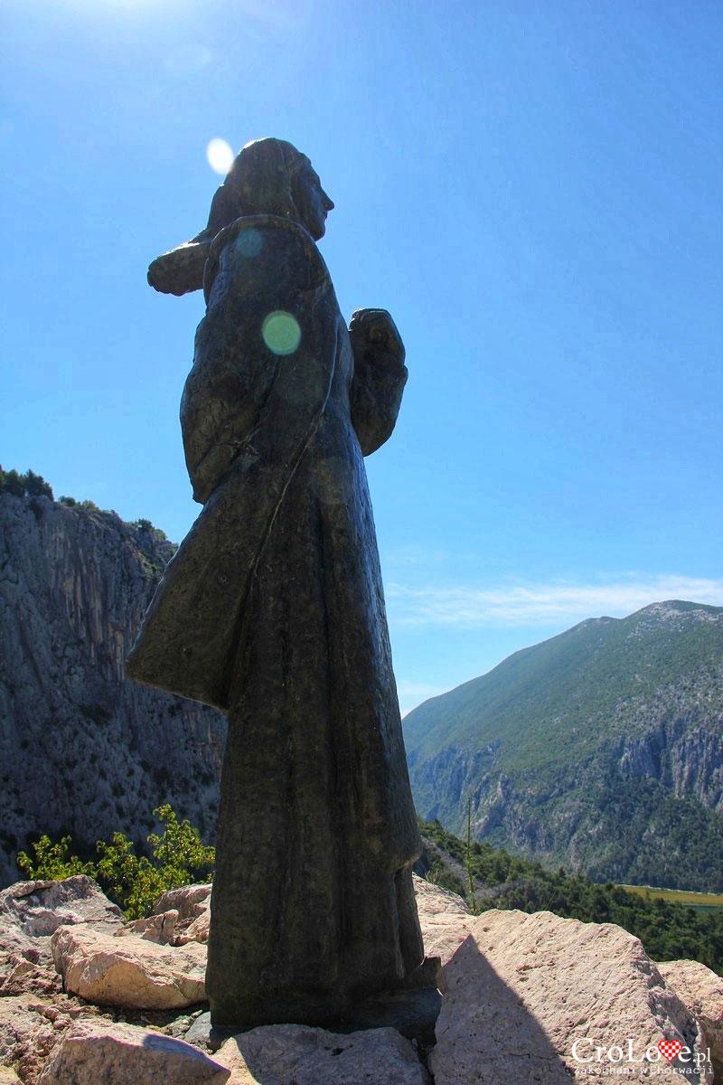 Posąg - Mila Gojsalić