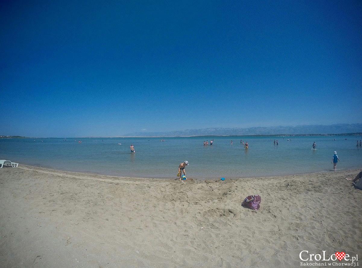 Piaszczysta plaża w Nin, koło Zadaru