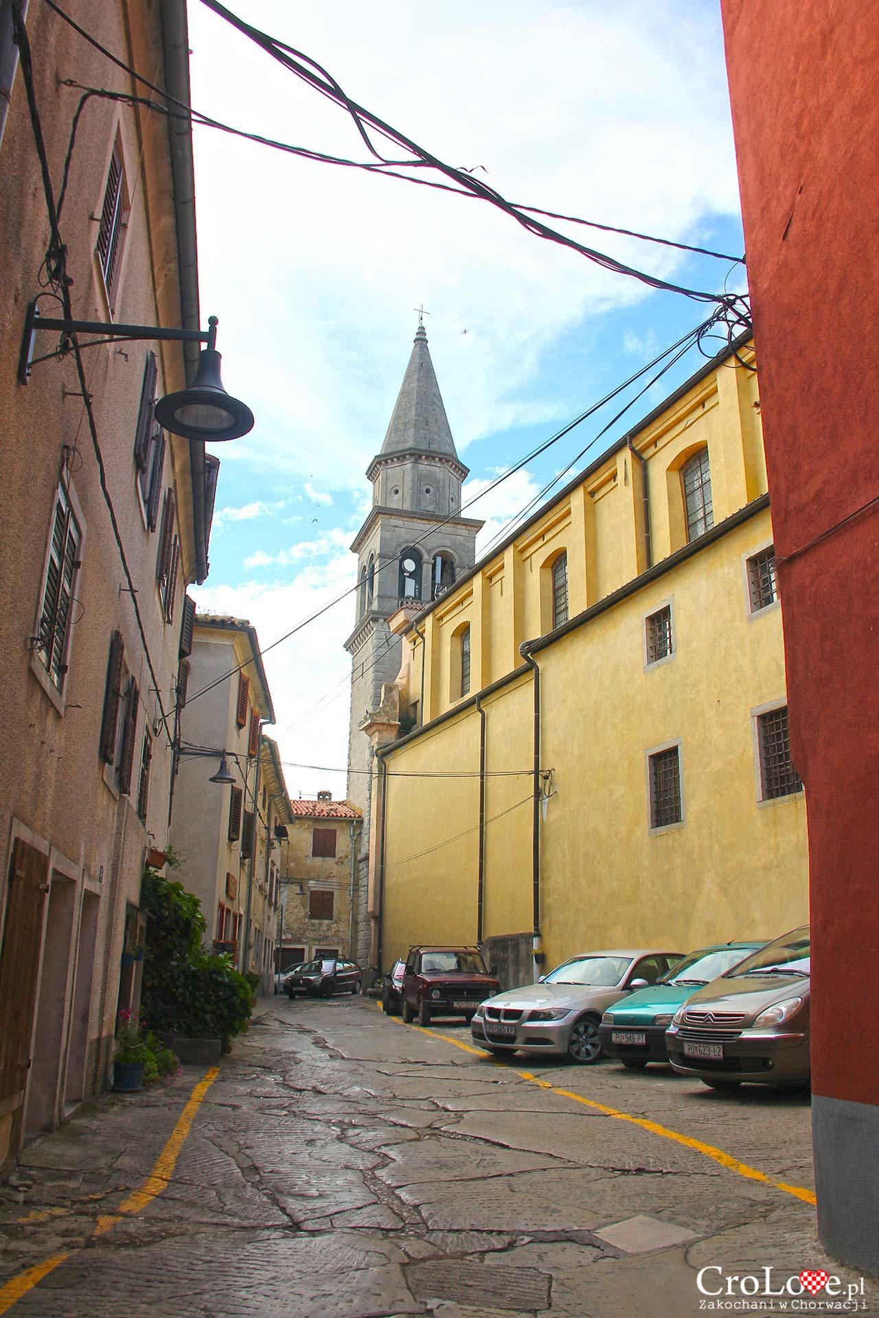 Miejska dzwonnica oraz kościół parafialny pw. św. Marii Magdaleny