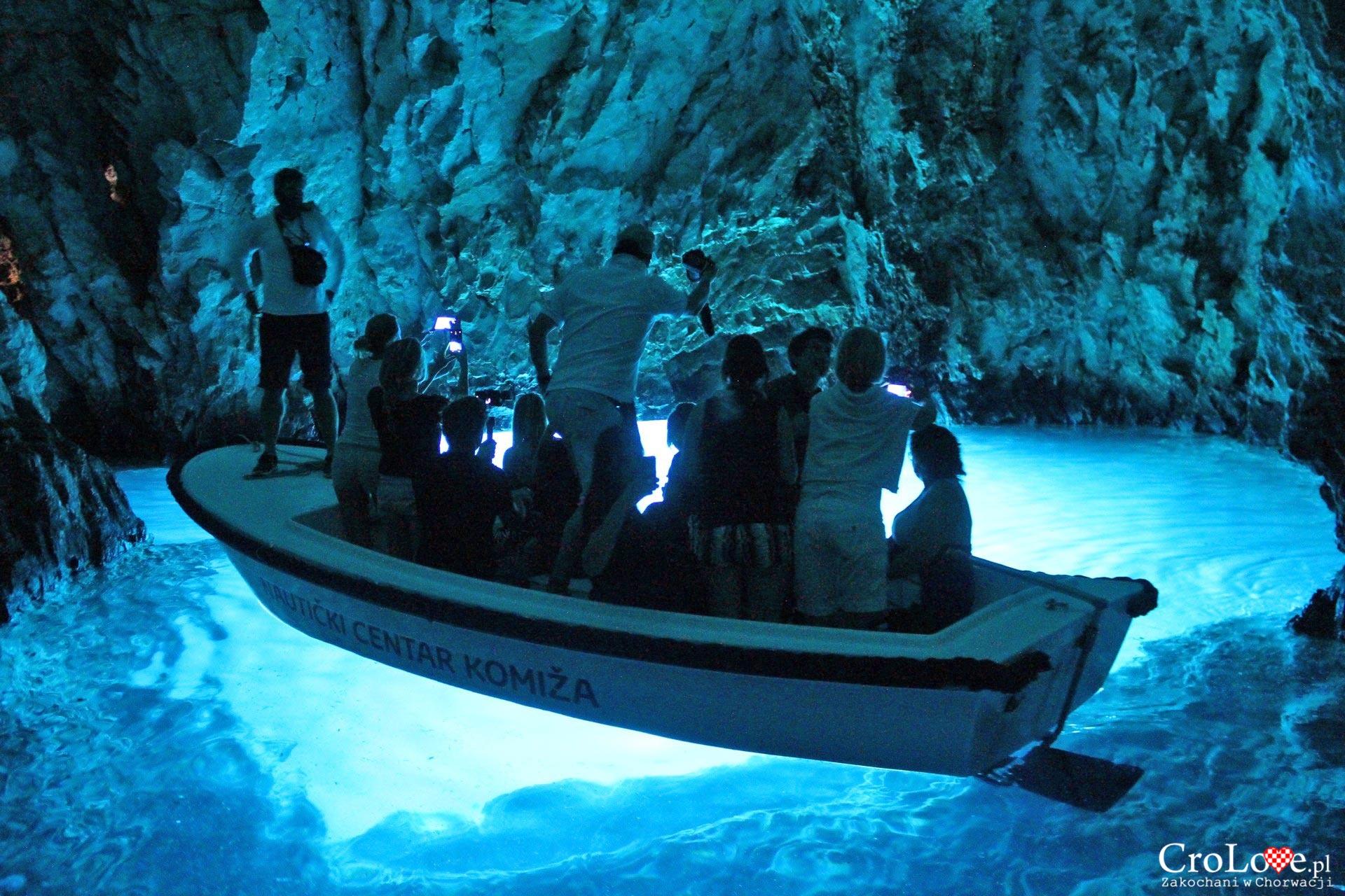 Błękitna jaskinia na wyspie Bisevo
