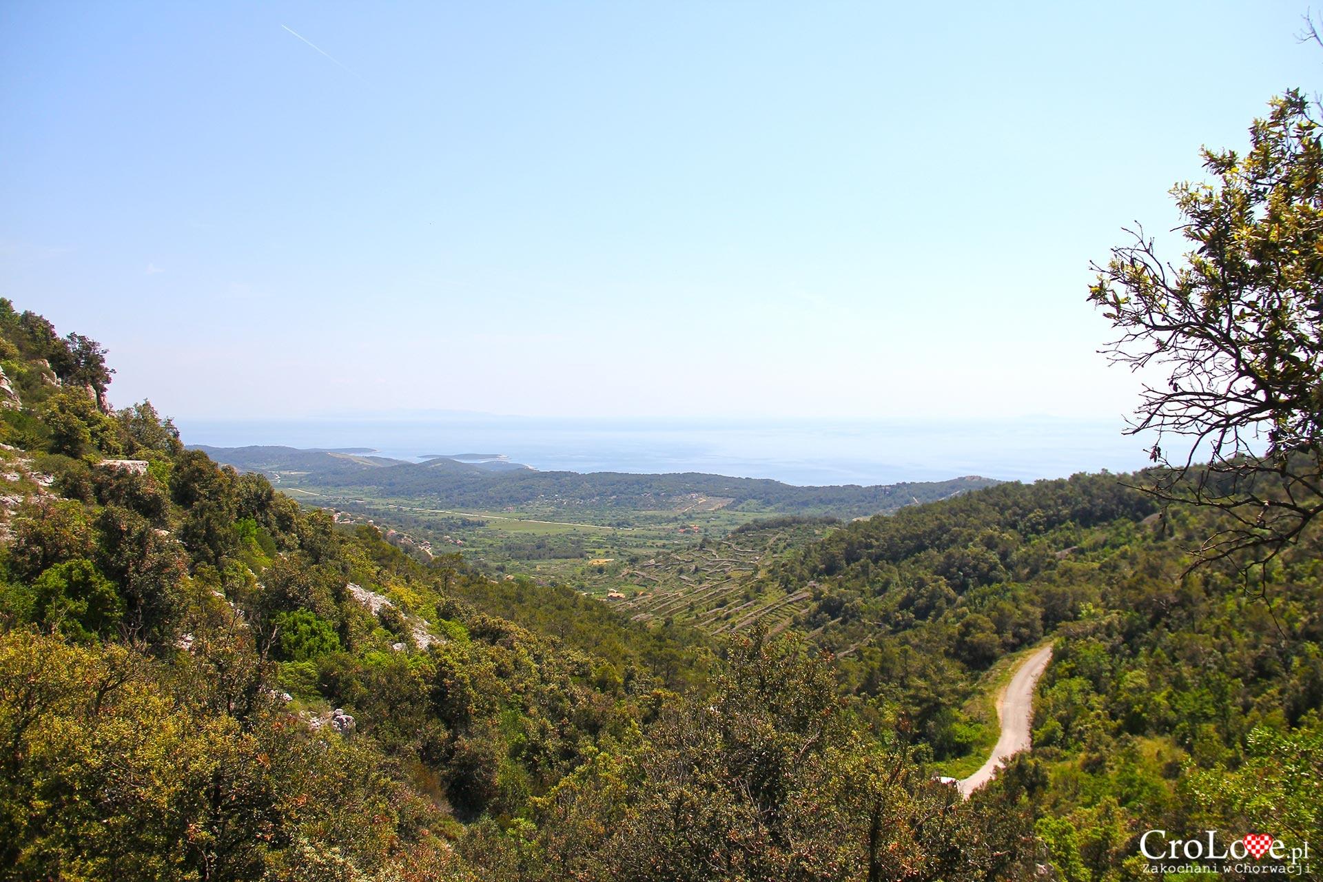 Panorama z jaskini Tito
