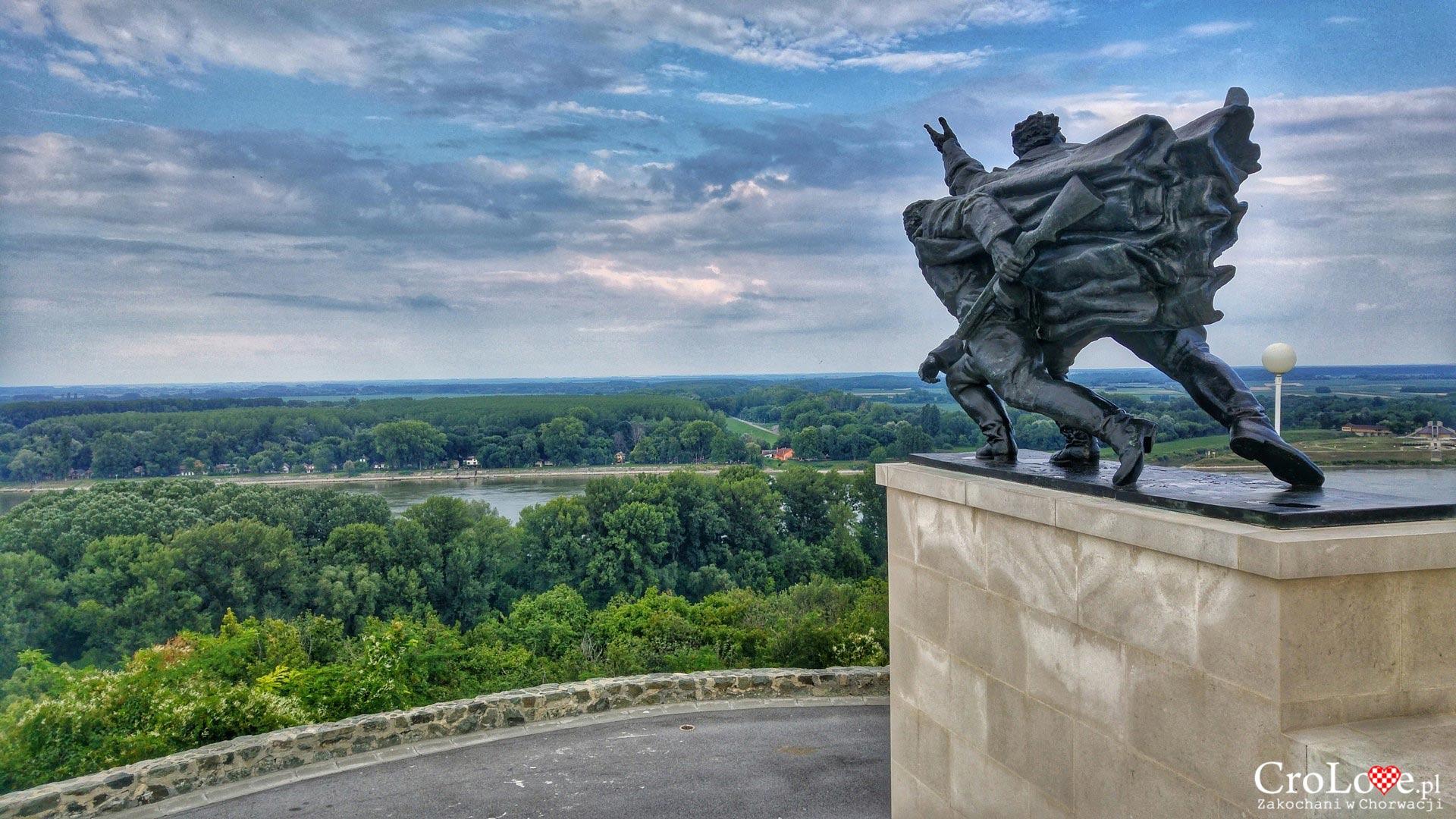 Pomnik bitwy pod Batiną