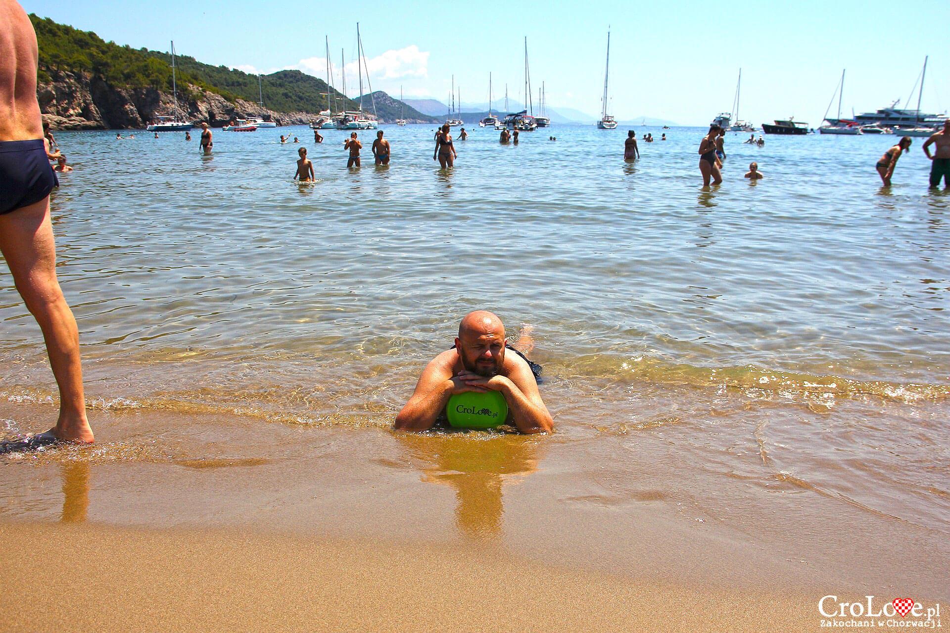 Piaszczysta plaża Šunj na wyspie Lopud
