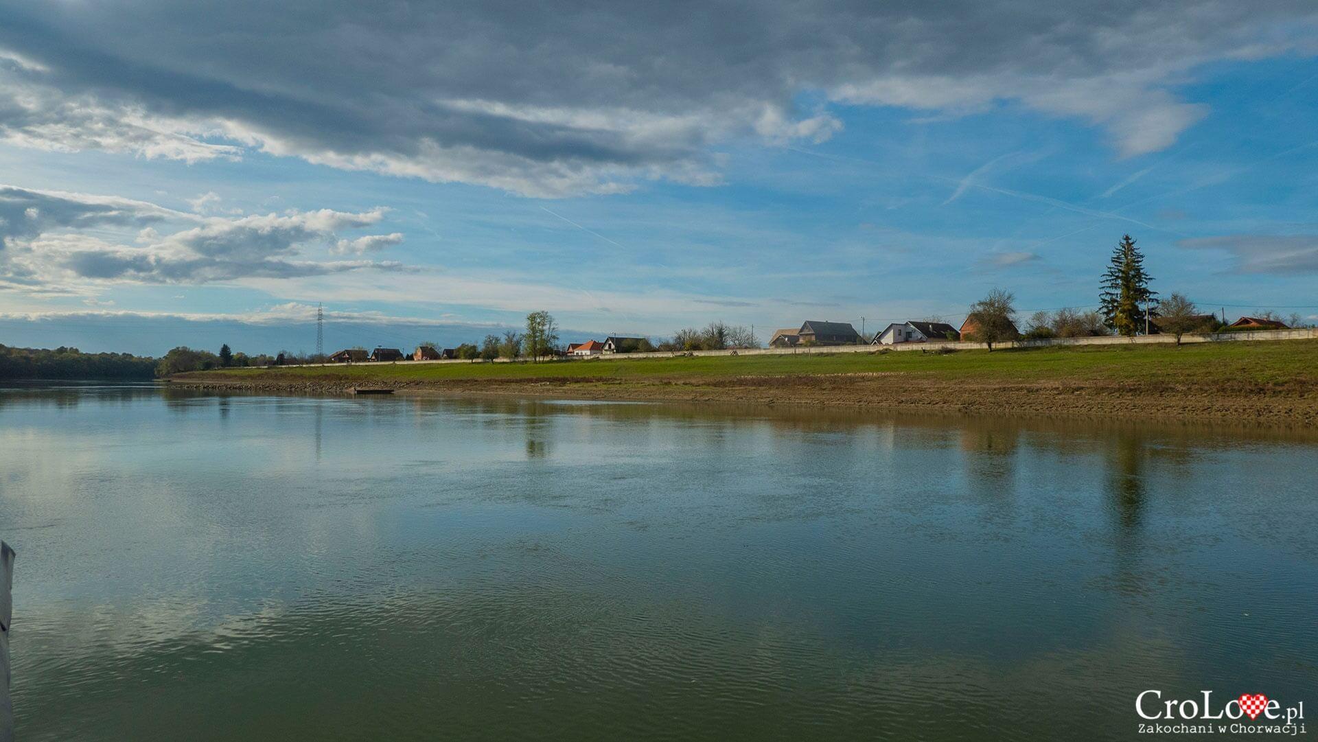 Rzeka Sawa, Park Przyrody Lonjsko Polje, Wieś Krapje - region Sisačko-Moslavački