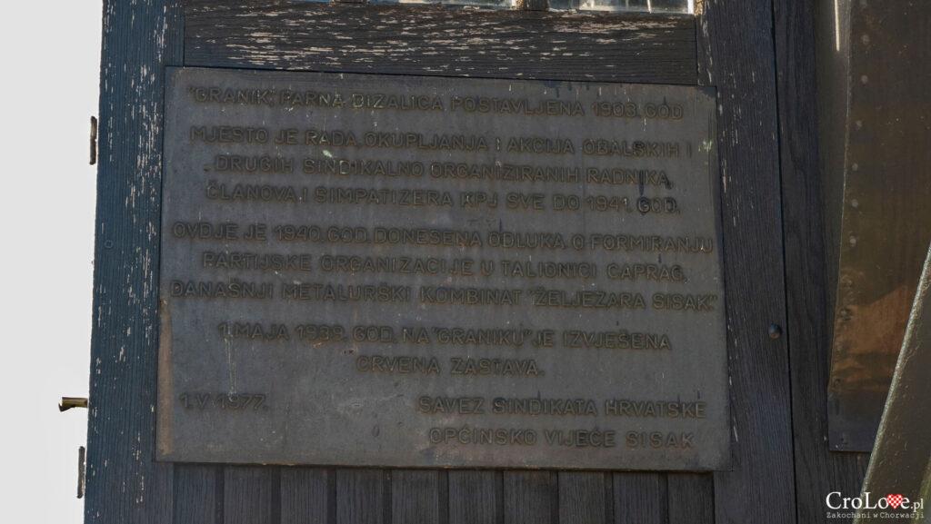 Dźwig portowy na rzece Kupa przy promenadzie Slave Strigla w Sisku